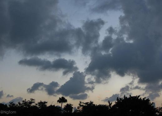 奔跑在烏雲裡